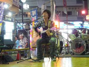 ヨコハマ3R夢ナイトフリーマーケット開催!~謎のさすらいギターリスト・・・綱島にキター(FUYUKI)
