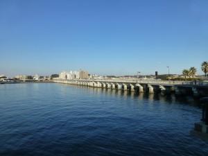 江の島の青い空と海